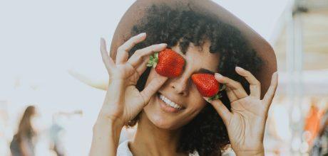 De que forma a alimentação influencia a saúde oral?